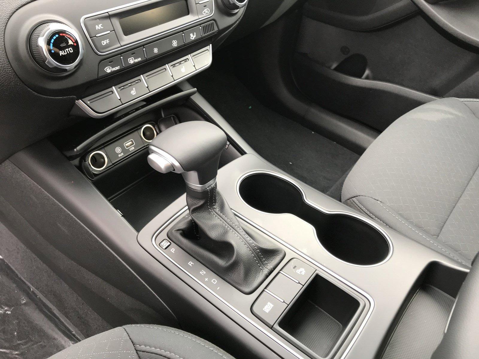 New 2020 Kia Sorento S V6