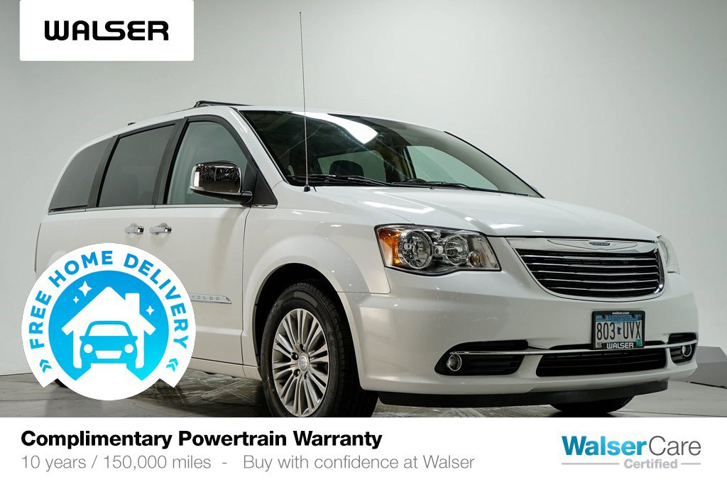 Pre-Owned 2016 Chrysler Town & Country TOURING-L ANNIVERS