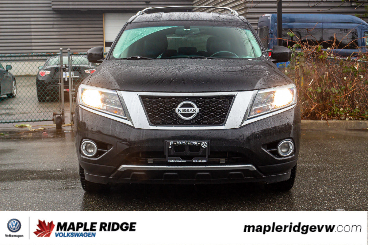 Pre-Owned 2013 Nissan Pathfinder Platinum 4X4, LEATHER, NAVI, SEATS SEVEN, LOCAL VEHICLE!
