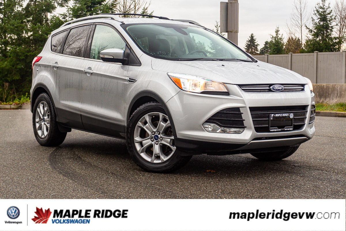 Pre-Owned 2015 Ford Escape Titanium 4WD, NAV, PANO ROOF, LEATHER, LOW KM, NO ACCIDENTS!