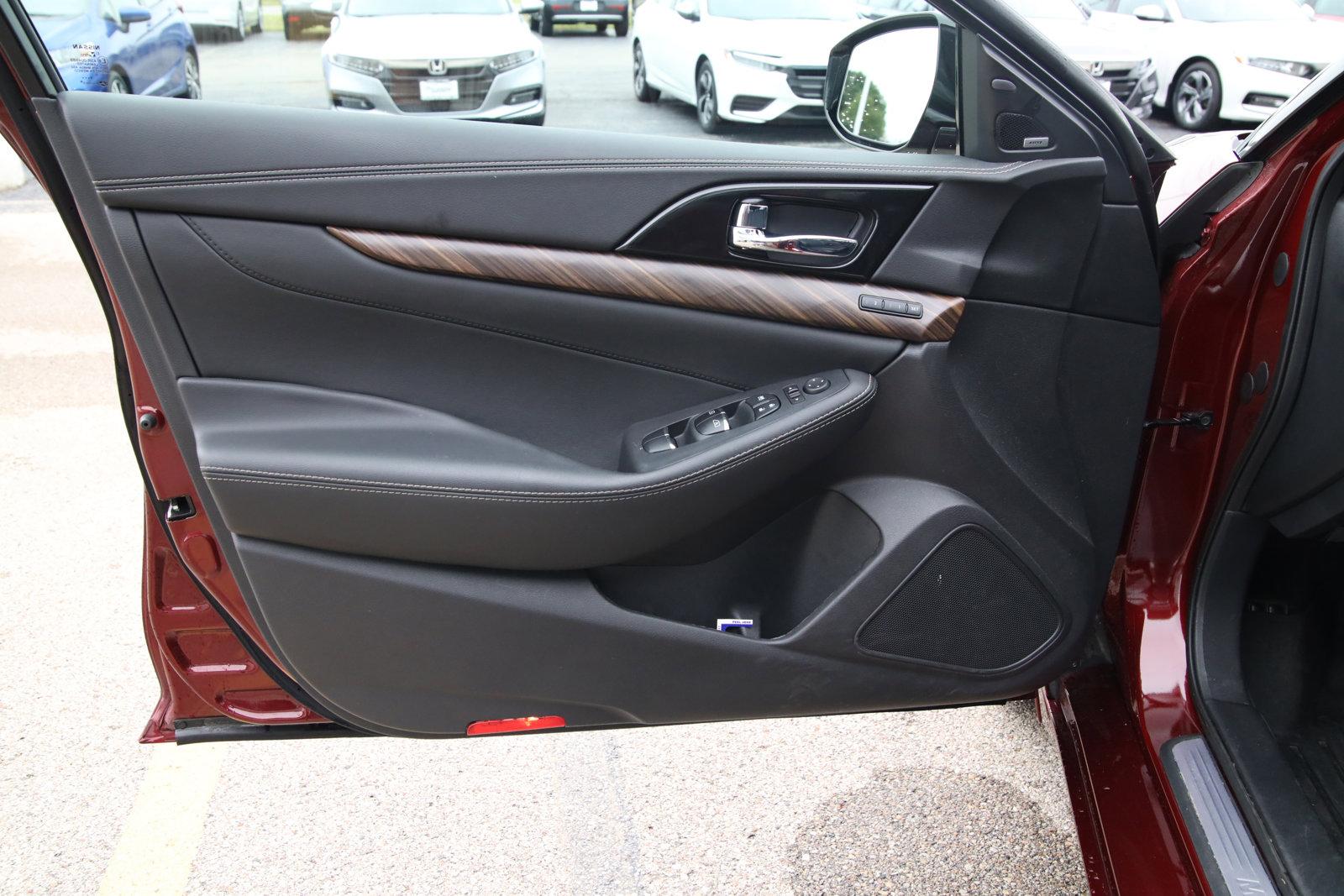Pre-Owned 2018 Nissan Maxima Platinum