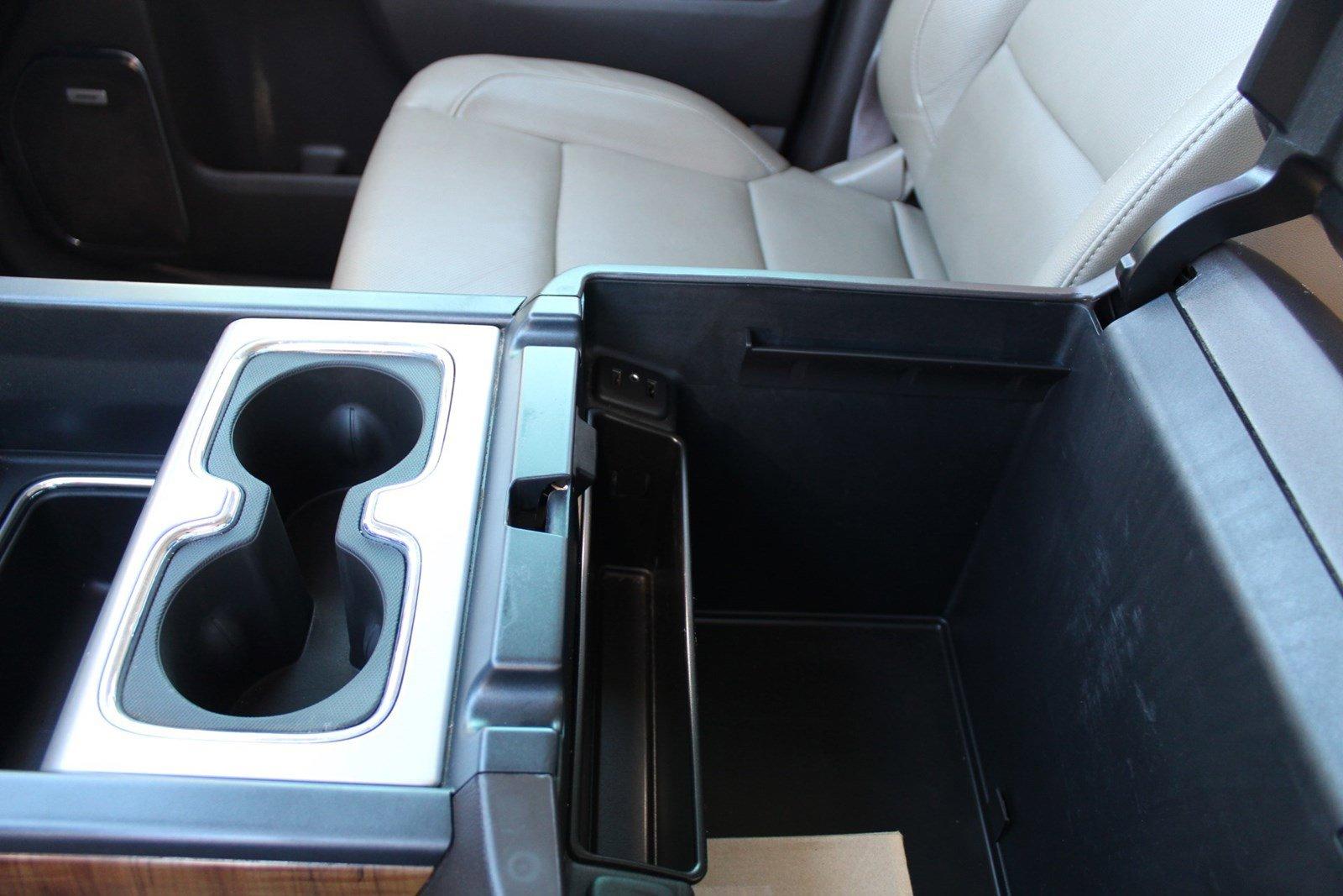 Pre-Owned 2017 GMC Sierra 2500HD SLT