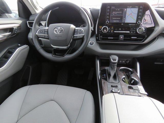 New 2020 Toyota Highlander Limited
