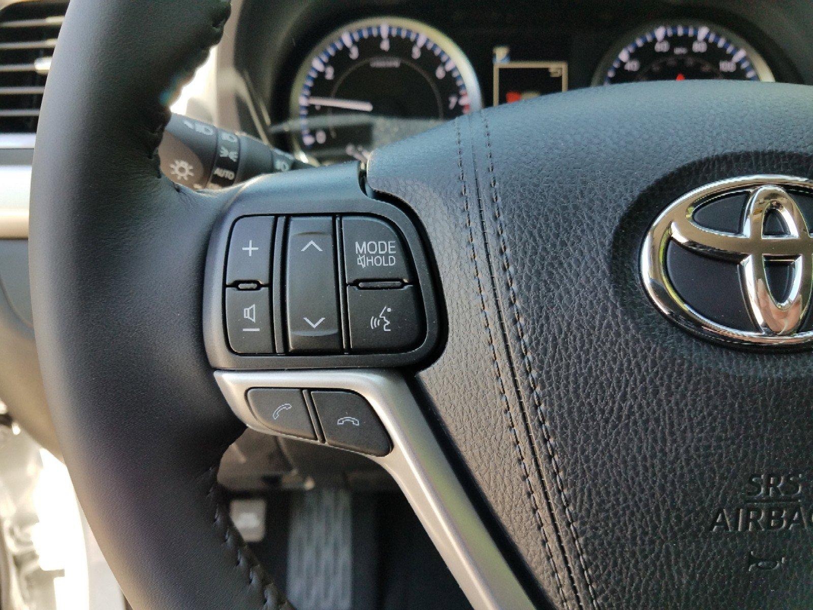 New 2019 Toyota Highlander LE Plus