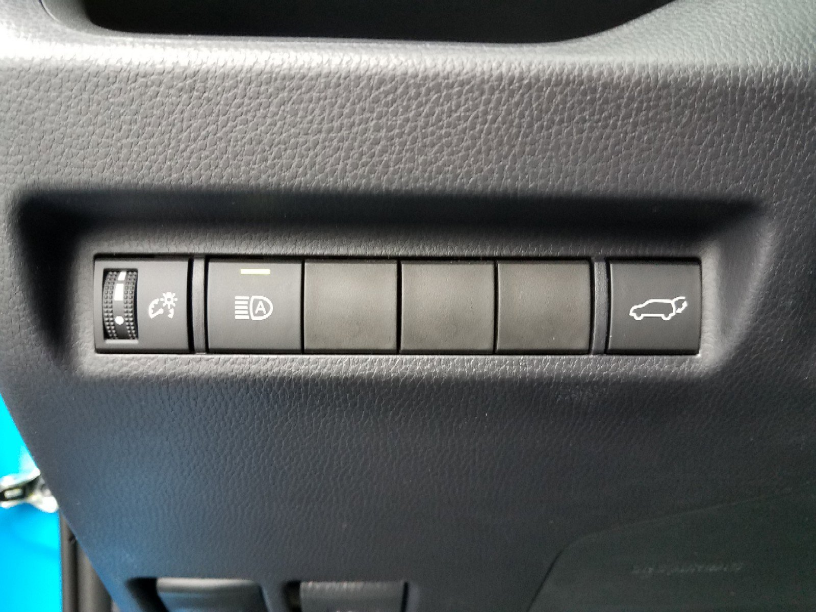 New 2019 Toyota RAV4 XLE