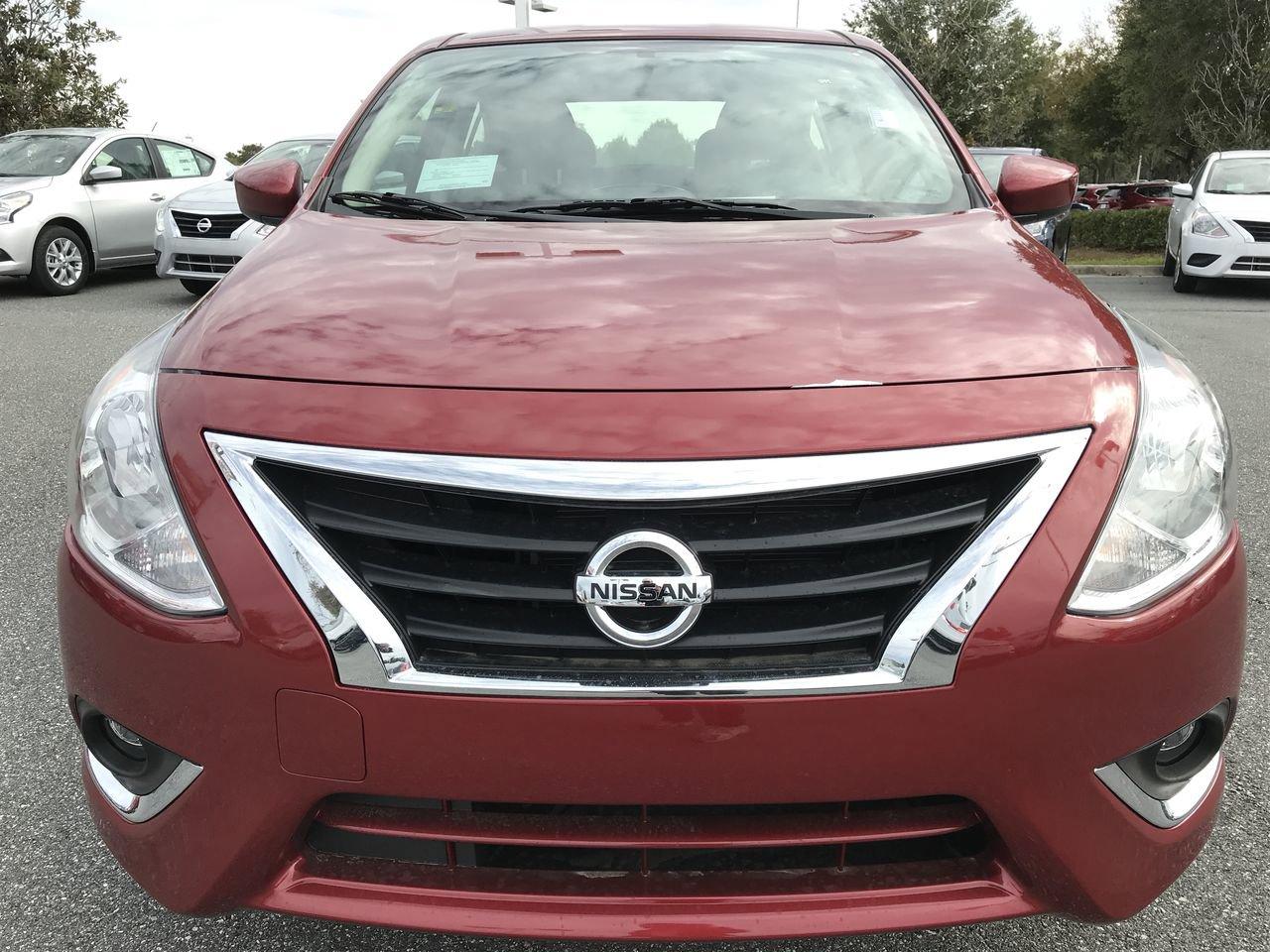 New 2019 Nissan Versa Sedan SV