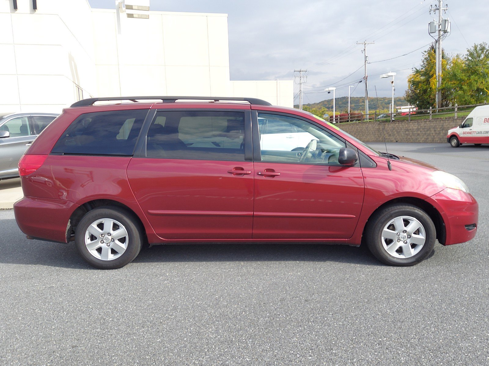 Pre-Owned 2009 Toyota Sienna LE