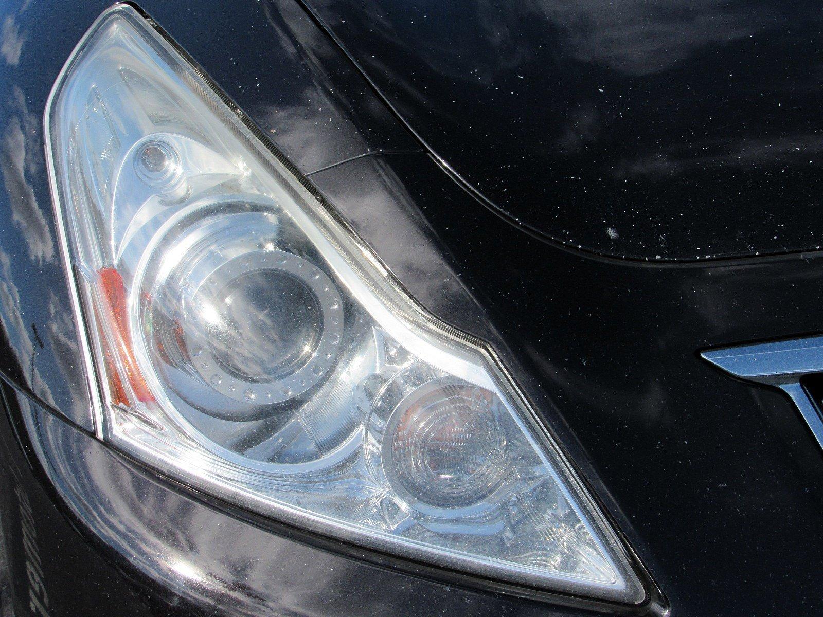 Pre-Owned 2012 INFINITI G37 Sedan x