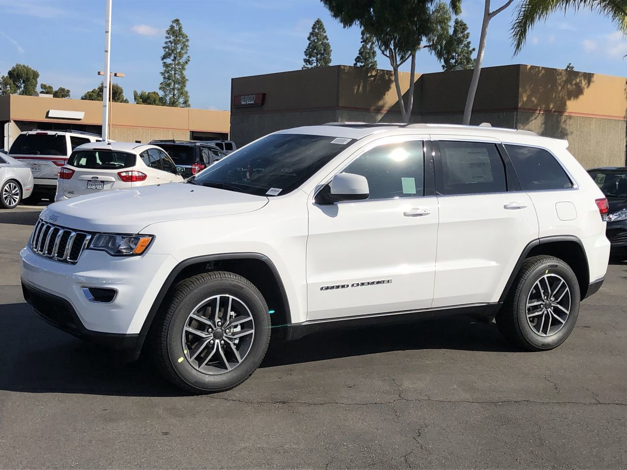 NEW 2020 JEEP GRAND CHEROKEE LAREDO X