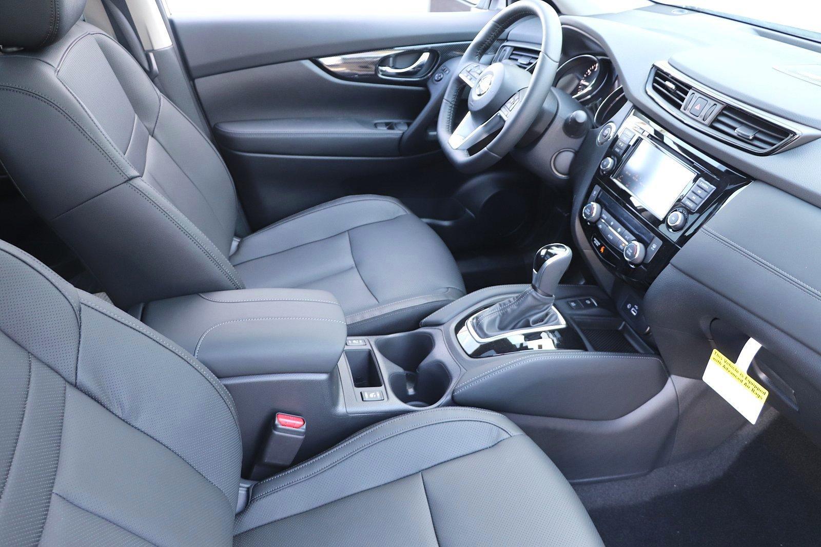 New 2020 Nissan Rogue SL