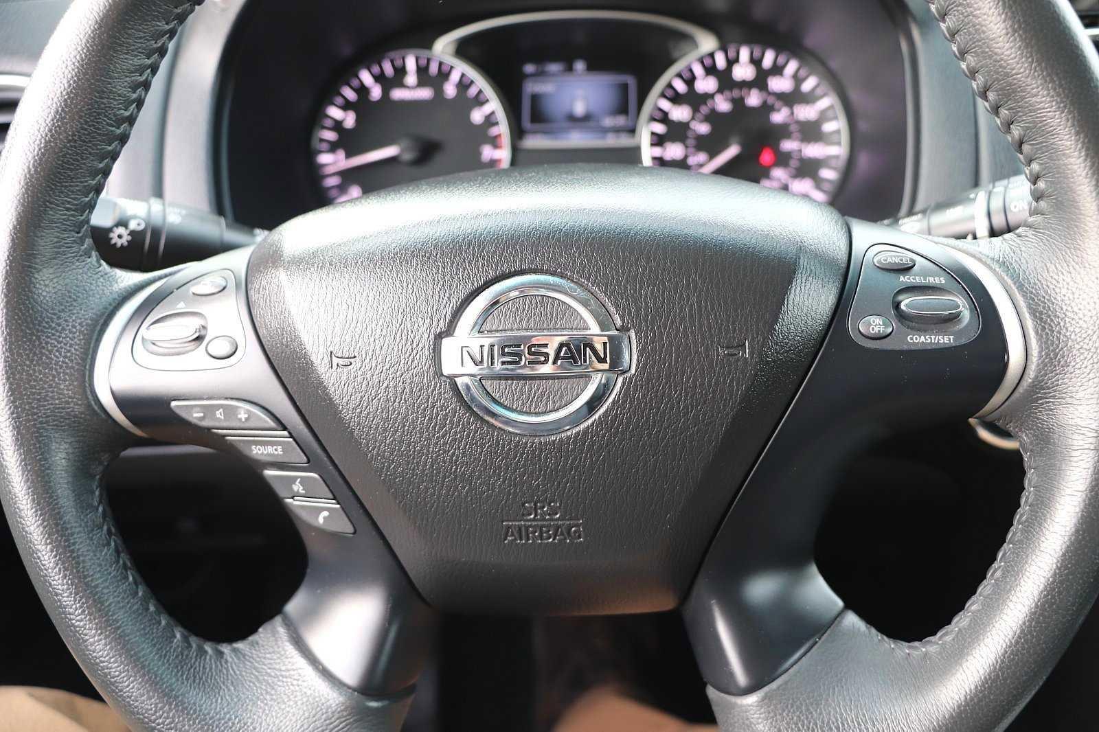 Pre-Owned 2018 Nissan Pathfinder SV