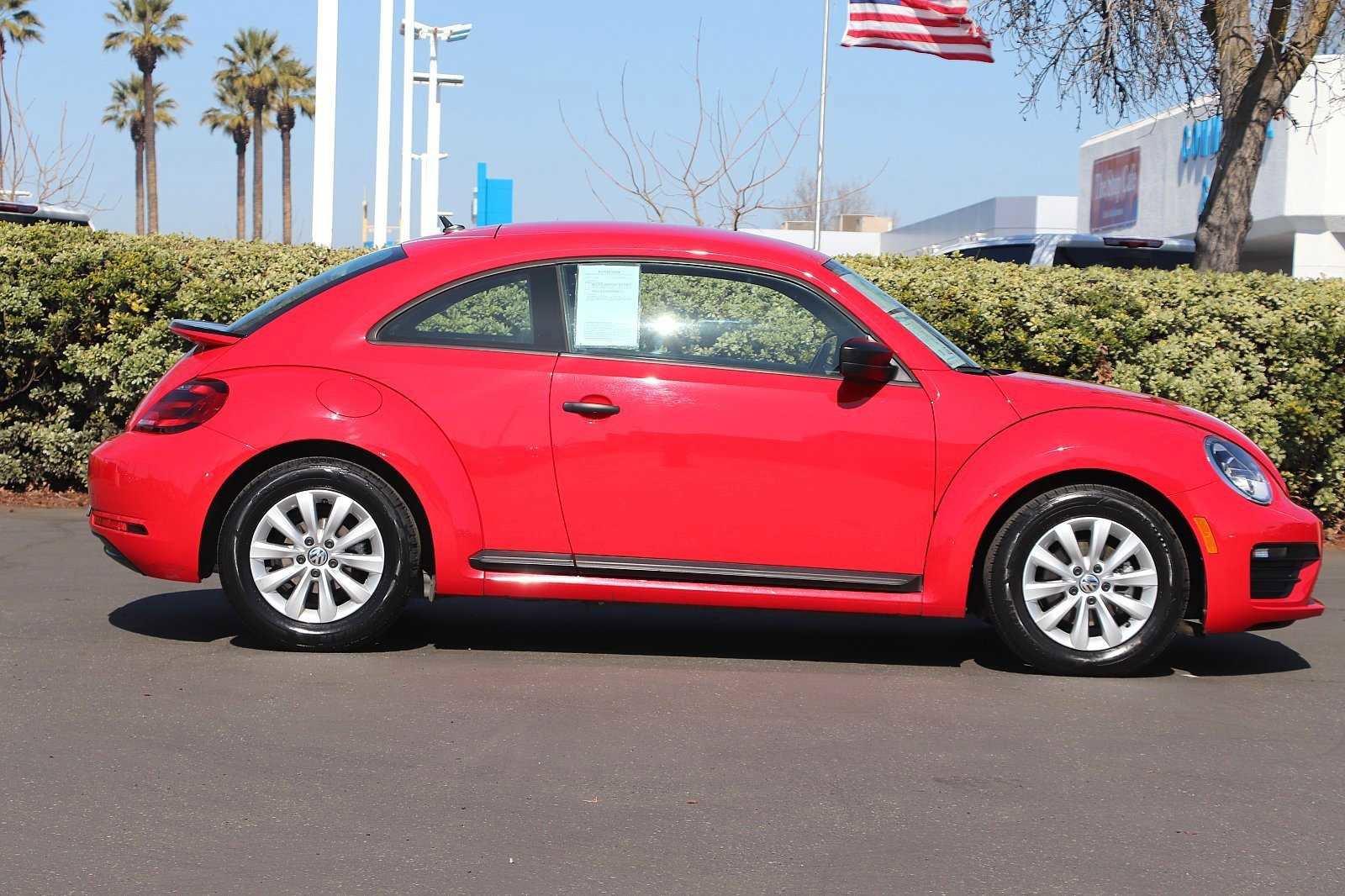 Certified Pre-Owned 2018 Volkswagen Beetle