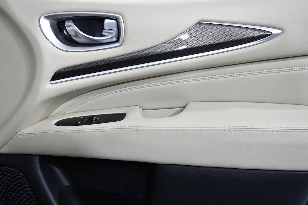 Pre-Owned 2019 INFINITI QX60 PURE