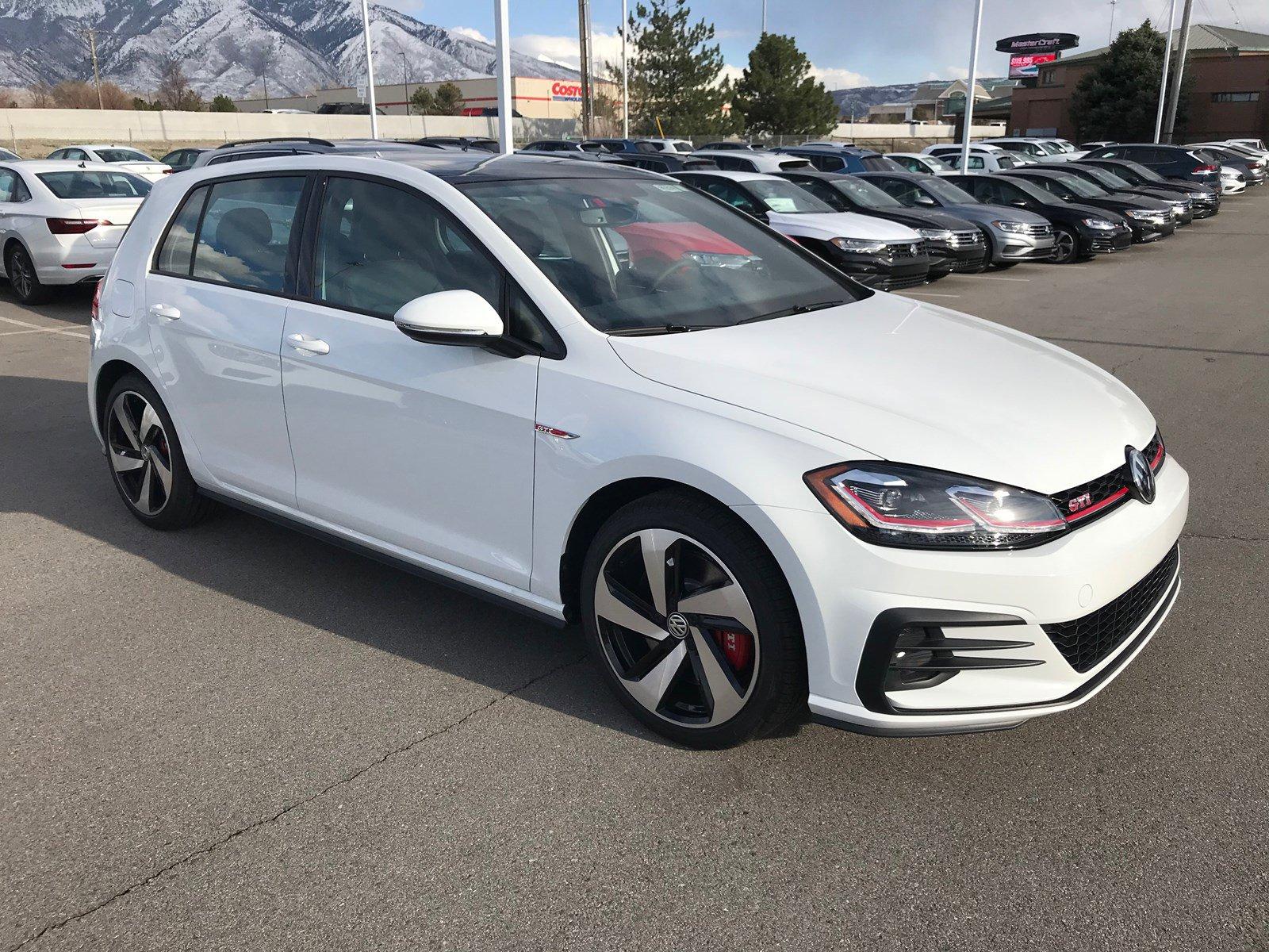 New 2020 Volkswagen Golf GTI SE