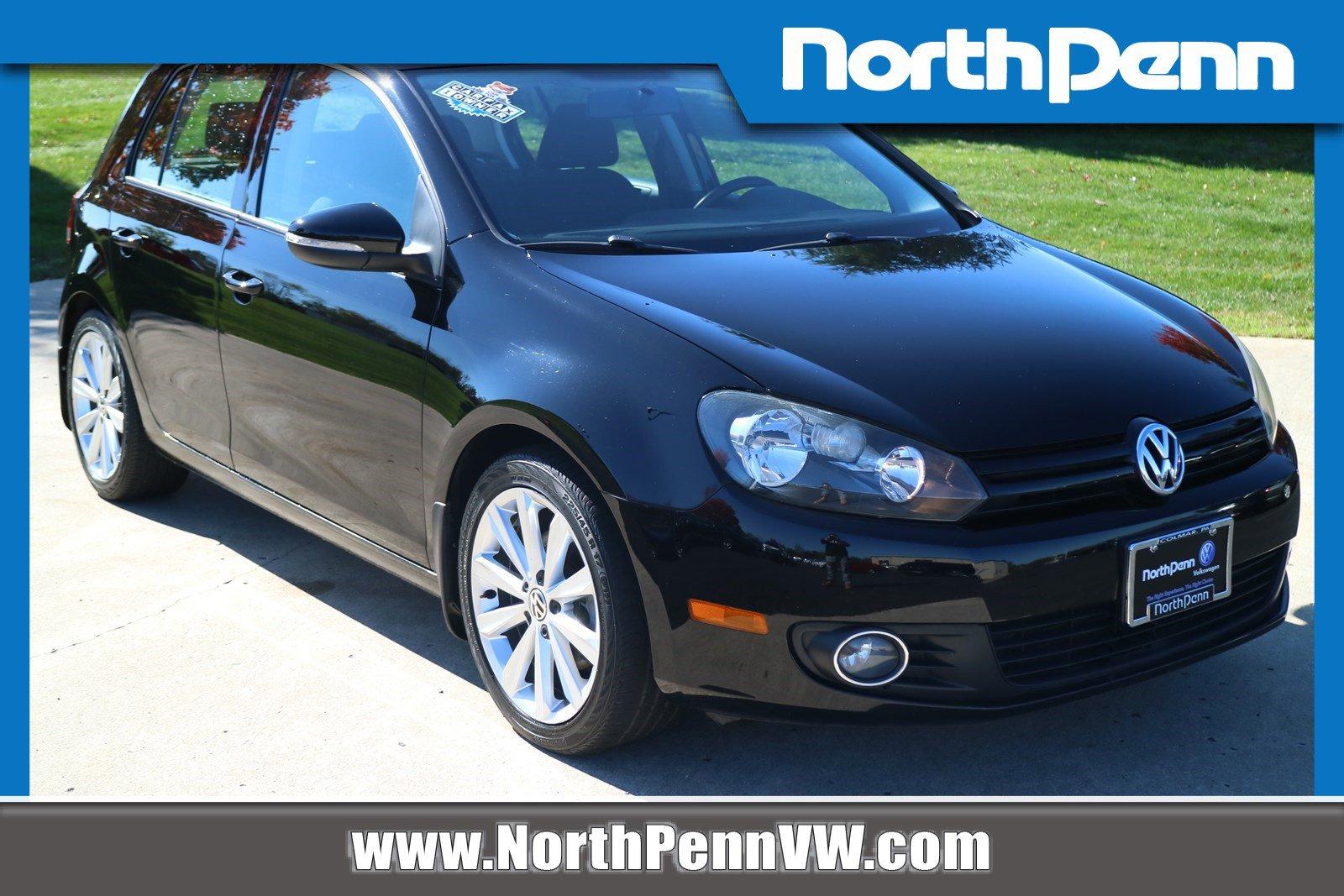Pre-Owned 2012 Volkswagen Golf TDI w/Sunroof & Nav
