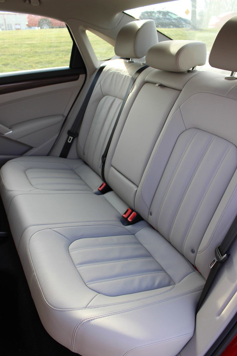 New 2020 Volkswagen Passat 2.0T SEL