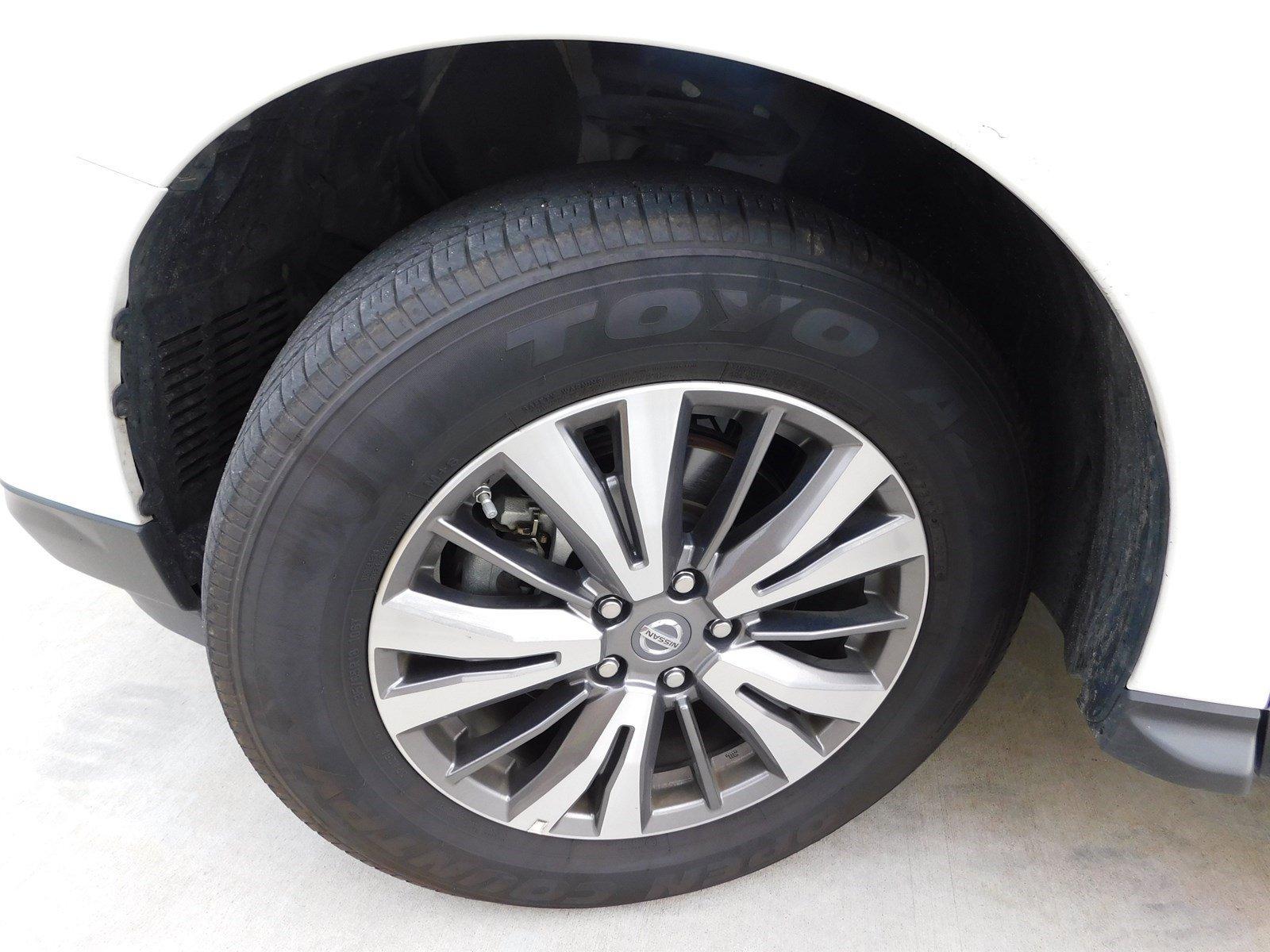 Pre-Owned 2019 Nissan Pathfinder SV