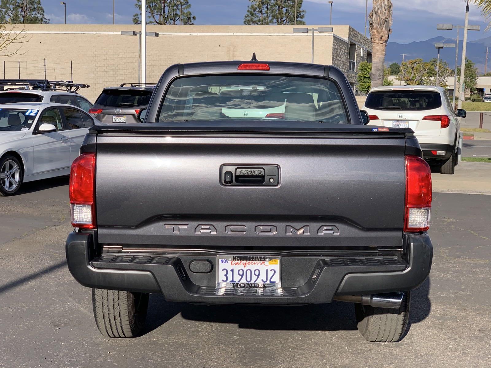 Pre-Owned 2017 Toyota Tacoma SR