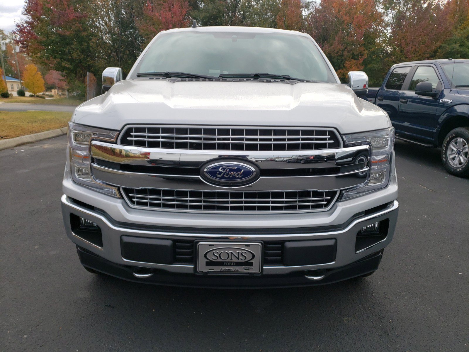 New 2019 Ford F-150 LARIAT 4WD SUPERCREW 5.5'