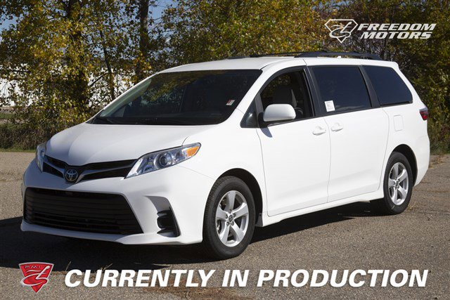 Pre-Owned 2020 Toyota Sienna LE 8-Passenger