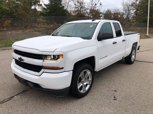 Pre-Owned 2017 Chevrolet Silverado 1500 Custom 4WD Extended Cab Pickup