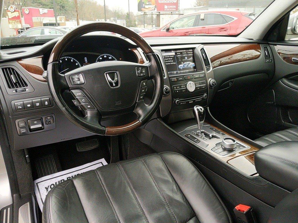 Pre-Owned 2012 Hyundai Equus Signature