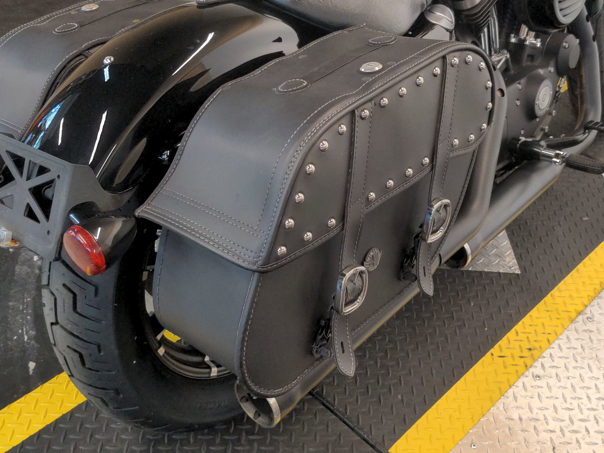 Pre-Owned 2017 Harley-Davidson Iron 883 XL883N