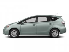 2014 Toyota Prius v 5dr Wgn Two