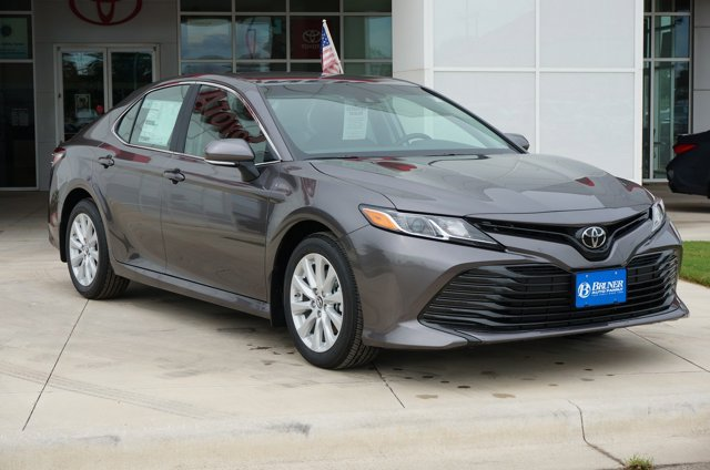 2018 Toyota Camry LE for sale VIN: 4T1B11HK2JU152028