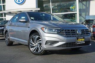 New 2020 Volkswagen Jetta SEL Premium Auto w-ULEV 4dr Car
