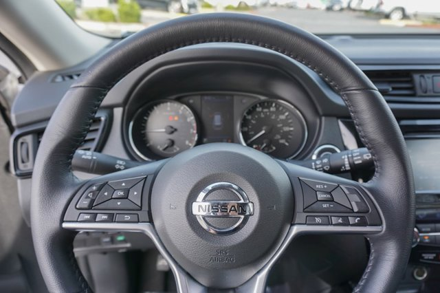Used 2020 Nissan Rogue FWD SV