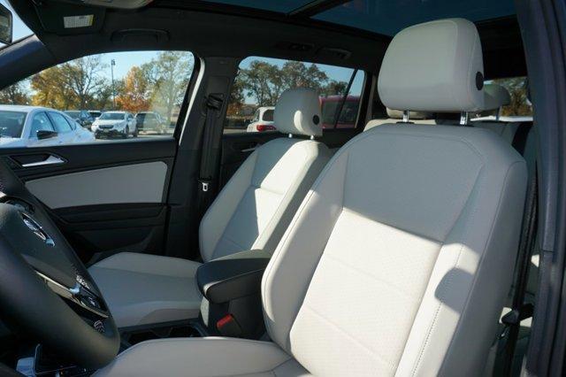 New 2021 Volkswagen Tiguan 2.0T SE R-Line Black FWD