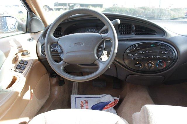 1996 Ford Taurus 4dr Wgn GL