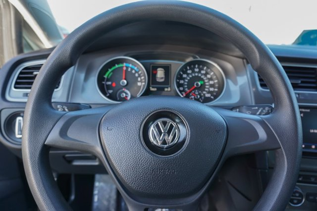 Used 2016 Volkswagen e-Golf 4dr HB SE