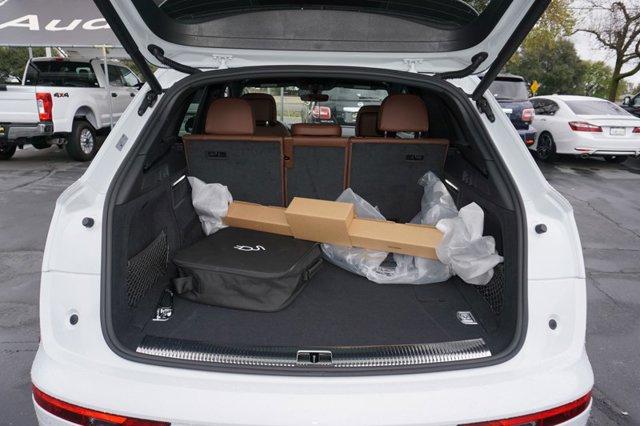 New 2020 Audi Q5 Prestige 55 TFSI e quattro