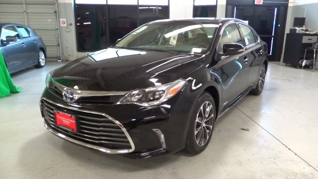 New 2017 Toyota Avalon Hybrid XLE Plus