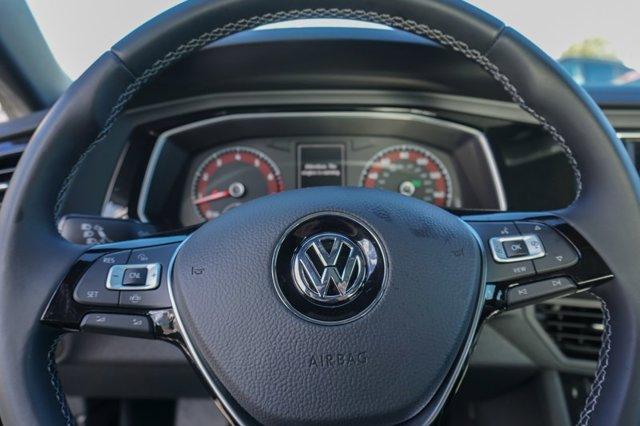 New 2019 Volkswagen Jetta R-Line Auto w-SULEV