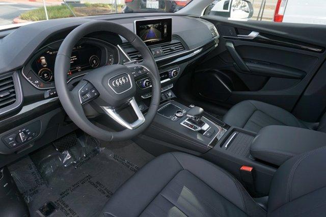 New 2020 Audi Q5 Premium Plus 55 TFSI e quattro