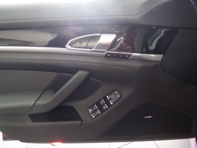 2013 Porsche Panamera Premium Hatchback