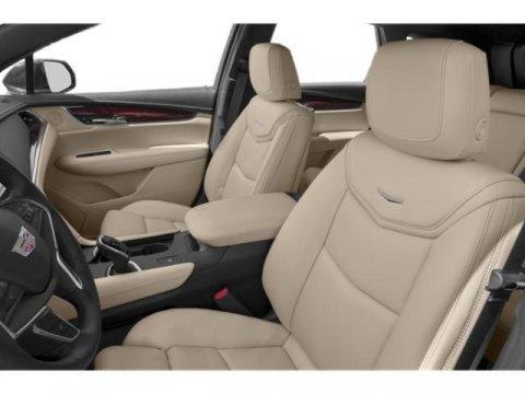 New 2019 Cadillac XT5 FWD 4dr