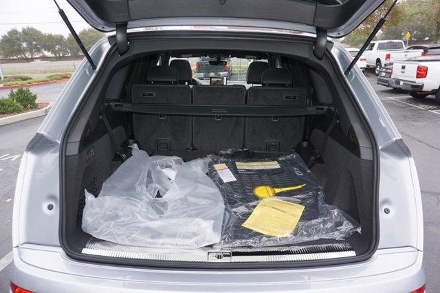 New 2019 Audi Q7 SE Premium Plus 45 TFSI quattro