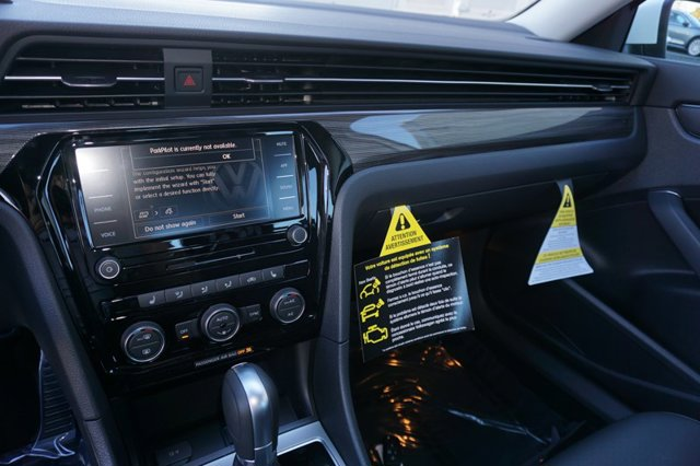 New 2020 Volkswagen Passat 2.0T R-Line Auto