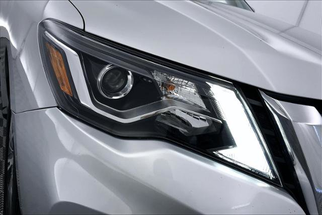 Used 2018 Nissan Pathfinder 4x4 SV