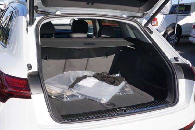 New 2019 Audi e-tron Prestige quattro