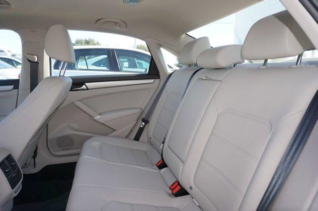 New 2020 Volkswagen Passat 2.0T SE Auto