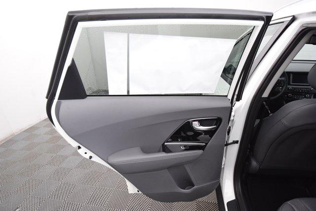 New 2019 Kia Niro EX FWD