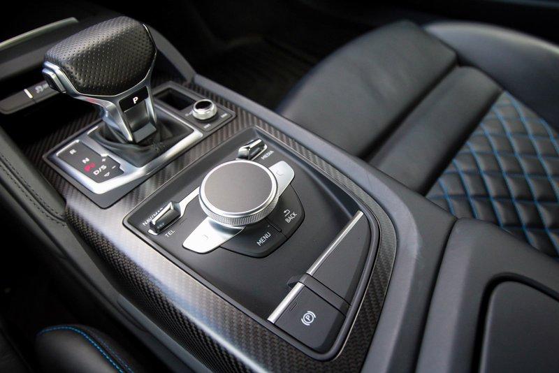 2017 Audi R8 V10 plus 2dr Car
