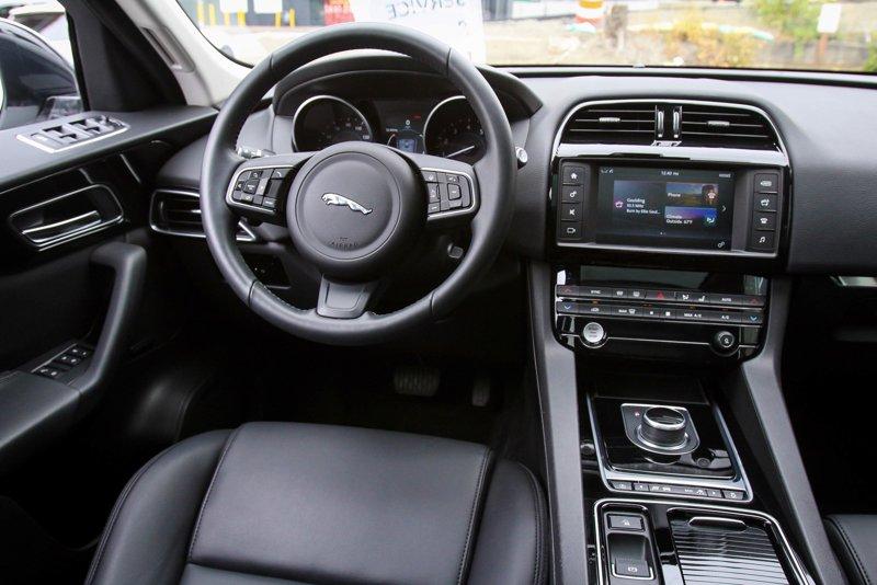 2018 Jaguar F-PACE 25t Premium Sport Utility