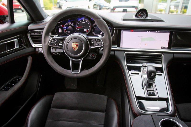 2019 Porsche Panamera GTS Station Wagon