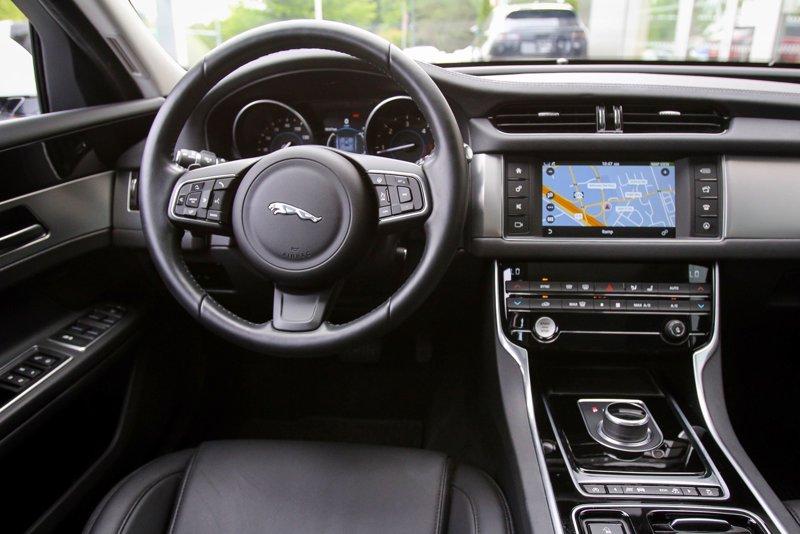 2017 Jaguar XF 20d Premium 4dr Car